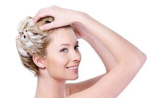 Frumuseţea ta: 5 greşeli pe care le faci când te speli pe cap. Evită-le!