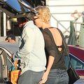 Sean Penn şi Charlize Theron s-au mutat împreună