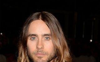 Hollywood: 5 bărbaţi celebri care s-au deghizat în femei. Îi recunoşti?