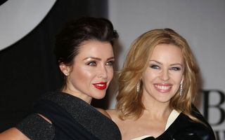 Faimoase și frumoase: Kylie și Dannii Minogue, două surori superbe pe covorul roșu