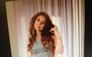 România mondenă: 6 vedete care s-au pozat dezbrăcate şi însărcinate