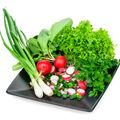 Cea mai spectaculoasă și sănătoasă salată de primavară. Cum o alegi și cum o prepari