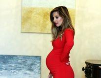 Dana Rogoz, ședință foto spectaculoasă în luna a noua de sarcină