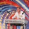 """""""Românii au talent"""": A cantat la pahare şi i-a uimit pe toți!"""