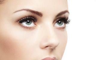 Frumuseţe: 5 trucuri pentru ca genele tale să pară mai lungi şi dese