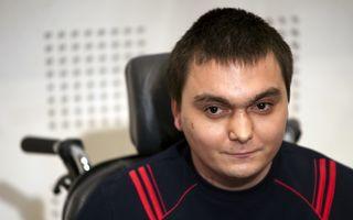 """Tatăl copilotului Petrescu: """"Răzvan a stat în partea stângă a cabinei. Aşa a decis Iovan, de la sol"""""""