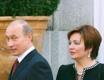 Vladimir Putin și soția sa au divorţat oficial