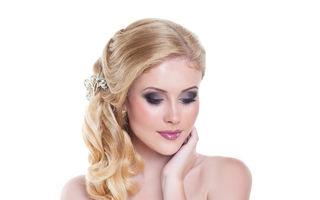 Coafuri pentru mirese. 70 de stiluri romantice