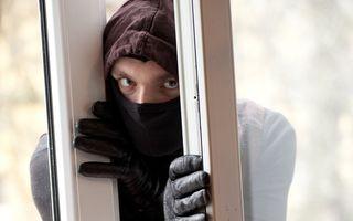 Cum să-ţi aperi casa de hoţi dacă pleci de Sărbători? 12 sfaturi!