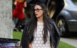 Demi Moore, în pantaloni scurți la 51 de ani: Încă mai are ce să arate!