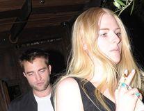 A uitat-o pe Kristen Stewart: Robert Pattinson se întâlnește cu modelul Imogen Ker