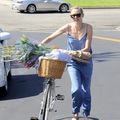 Hollywood: Cum se îmbracă vedetele pe bicicletă. Cine atrage atenţia pe două roţi?