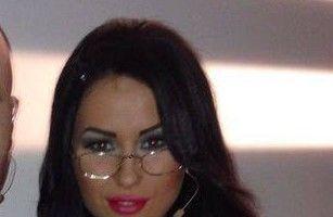 7 vedete care poartă ochelari de tocilar, dar arată ca divele porno