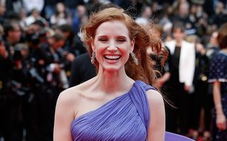 Hollywood: Jessica Chastain, probleme din cauza vântului la Cannes. Momente stânjenitoare şi pentru alte vedete!