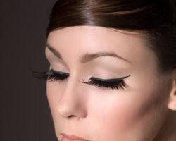 Sfaturi pentru un machiaj al ochilor fara imperfectiuni