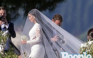 Nunta anului. Kim Kardashian şi Kanye West s-au căsătorit. Relaţia lor în imagini!