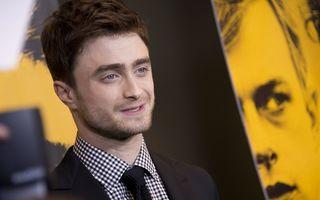 Harry Potter, grav bolnav: Nu mai poate nici să se lege la şireturi!
