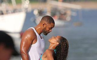 Splendoare în soare: Soţia lui Will Smith, forme perfecte la 42 de ani