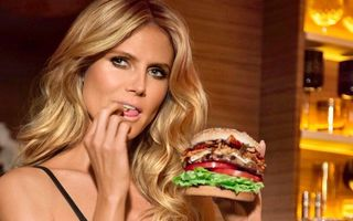 18 vedete care mănâncă prostii. Heidi Klum la fast-food, dar tot slabă