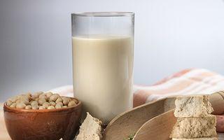 6 beneficii pentru sănătate ale laptelui de soia