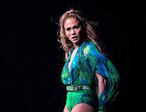 Jennifer Lopez a slăbit aproape 5 kilograme cu o dietă vegetariană şi un program zilnic de exerciţii