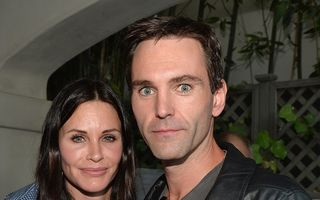 Courteney Cox s-a logodit