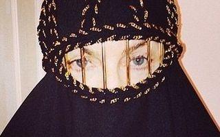 Madonna, provocatoare în burka