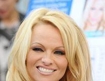 Pamela Anderson divorţează din nou