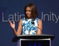 Michelle Obama promite că renunță la cartofii prăjiți