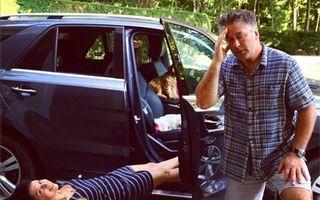 """""""Săracul"""" Alec Baldwin: Actorul își pune mâinile în cap când nevasta își face o poză"""