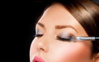Frumuseţe: 6 trucuri pentru ca machiajul tău să reziste pe caniculă