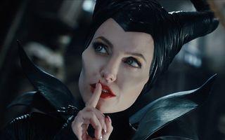 """Angelina Jolie şi Christian Louboutin lansează pantofii """"Maleficent"""""""