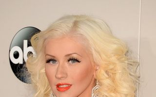 Christina Aguilera a născut o fetiţă