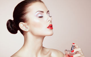 Parfumul tău. Cum îl faci să persiste întreaga zi. 5 trucuri