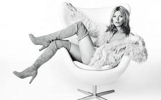 Sânul stâng al lui Kate Moss, model pentru o cupă de şampanie
