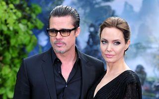 Proaspăt căsătoriți: Brad Pitt și Angelina Jolie, cu verighetele la vedere