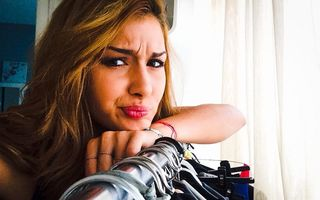 O solistă din LaLa Band participă la un show de la Antena 1