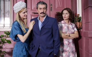 """EXCLUSIV. """"Trădarea"""", noul """"Suleyman"""" de la Kanal D. Interviu cu Ayca Bingol, vedeta serialului"""