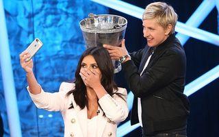 Kim Kardashian şi-a făcut selfie când i se turna apă cu gheaţă în cap