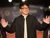 Jackie Chan a sosit la Bucureşti