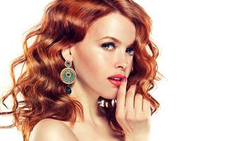 Frumuseţe. Cum să ţii sub control părul ondulat. 7 trucuri
