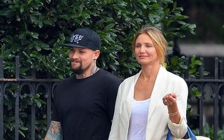 Zvonuri: Cameron Diaz s-ar fi logodit cu rockerul Benji Madden