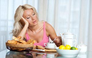 Micul dejun: 5 obiceiuri greşite care-ţi distrug ziua