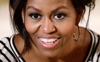 VIDEO: Michelle Obama dansează cu un nap, promovând alimentaţia sănătoasă