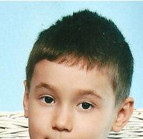 Copil de 7 ani, dat dispărut de la grădiniţă. Poliţia cere ajutor pentru găsirea lui