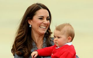 Kate Middleton va naşte în aprilie 2015
