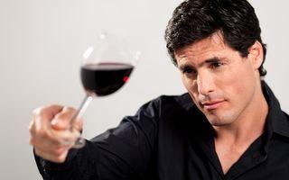 STUDIU: Alcoolul şi carnea stimulează fertilitatea masculină. Cafeaua o inhibă