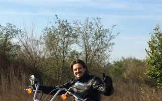 Mihai Petre este motociclist