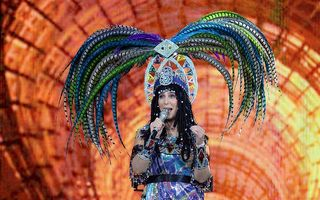 Cher este bolnavă şi poartă un monitor cardiac