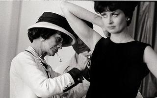 "Coco Chanel în imagini prețioase: La 79 de ani, ""Mademoiselle"" avea o energie uimitoare"